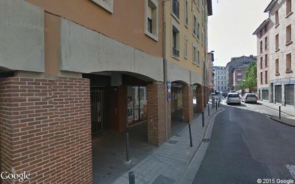 Louez un garage de 9 m rue tr s clo tres grenoble for Garde meuble grenoble