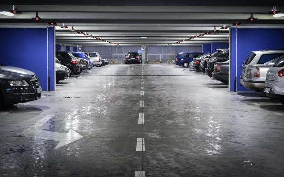Louez un garage de 10 m traverse saint pierre aix en for Garde meuble aix en provence