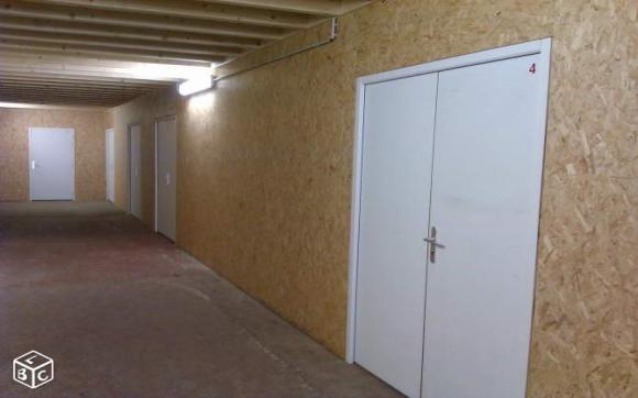 Louez un box de 10 m rue anne frank bordeaux for Garde meuble bordeaux